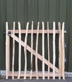 Chestnut fence rails 8cm Entrance 100cm x 120cm_