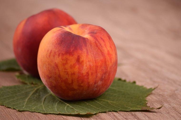 Prunus persica var. nucipersica pot Ø 26 cm