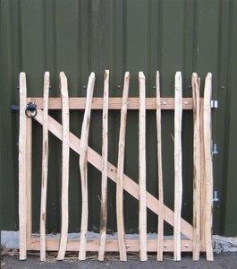 Chestnut fence rails 8cm Entrance 90cm x 120cm